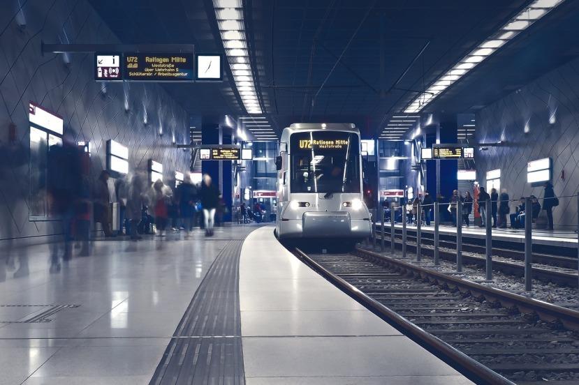 metro-2942353_1280