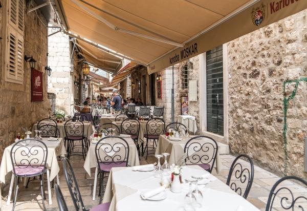 Bar turístico en Croacia